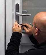 locksmith picking upvc door