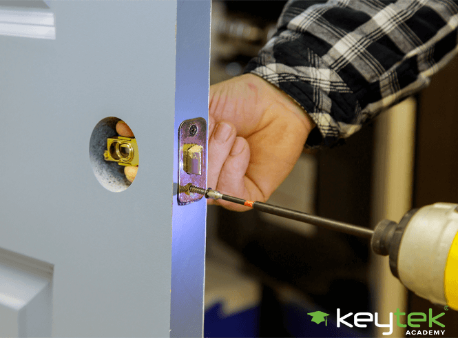 When You Should Train to be a Locksmith?