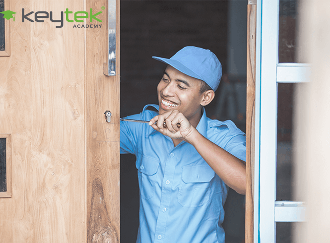 How Much Should a Locksmith Charge?